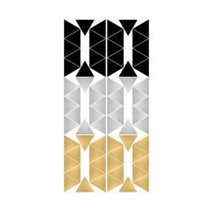 Muursticker met zilveren, gouden en zwarte driehoekjes van Pöm