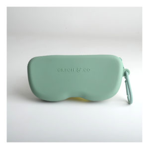 Groene brillenetui van Grech & Co